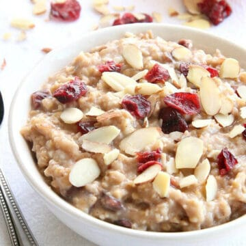 Slow Cooker Cranberry Orange Steel Cut Oats from AmyintheKitchen.com