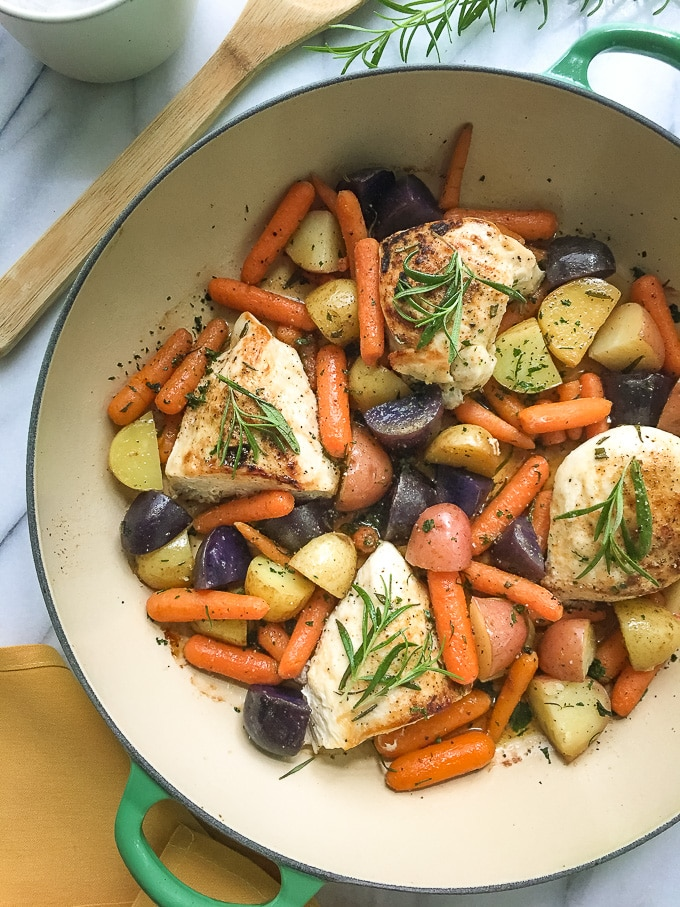 Healthy Rosemary Chicken with potatoes and carrots