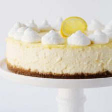 Lemon Cheesecake with Lemon Curd.