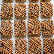 Rice Krispies Treats with pumpkin spice! Perfect for Halloween!