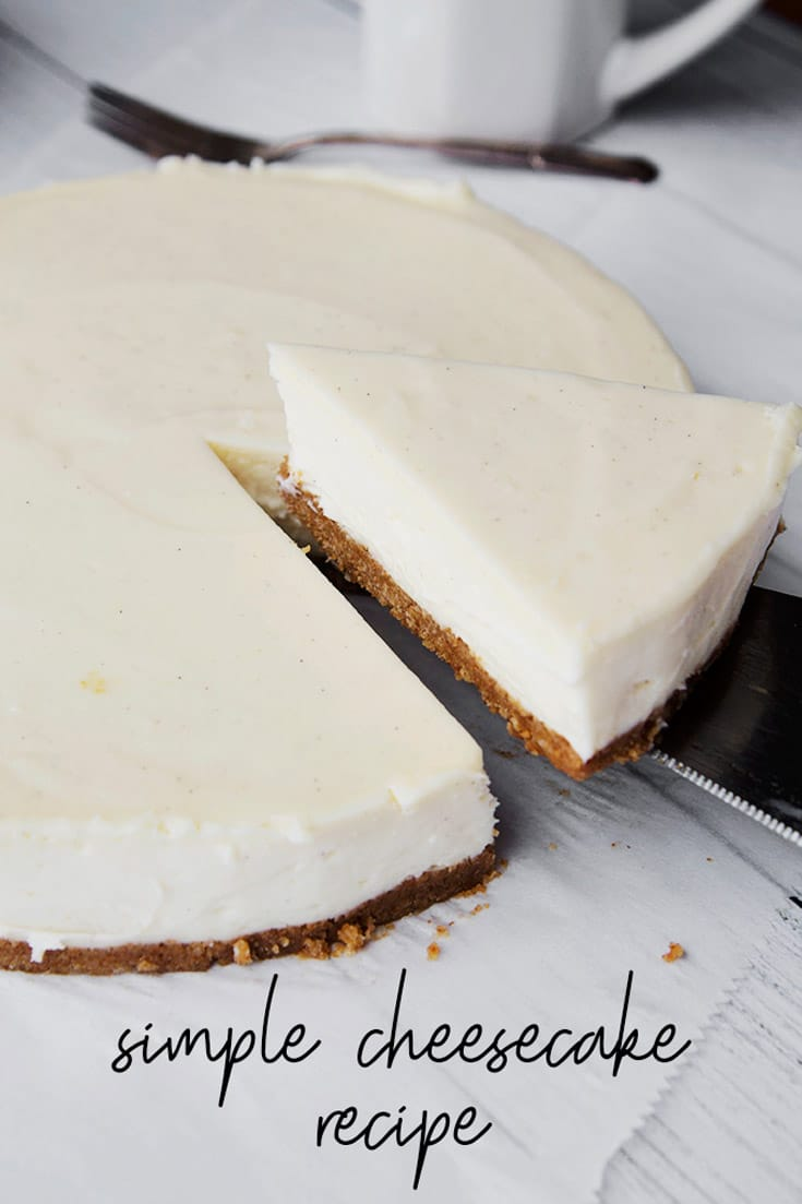 Easy Cheesecake Recipe :: This rich and creamy, easy to make cheesecake recipe is the perfect dessert for any occasion! Super simple to make and totally delicious! #cheesecake #egglesscheesecake #dessert