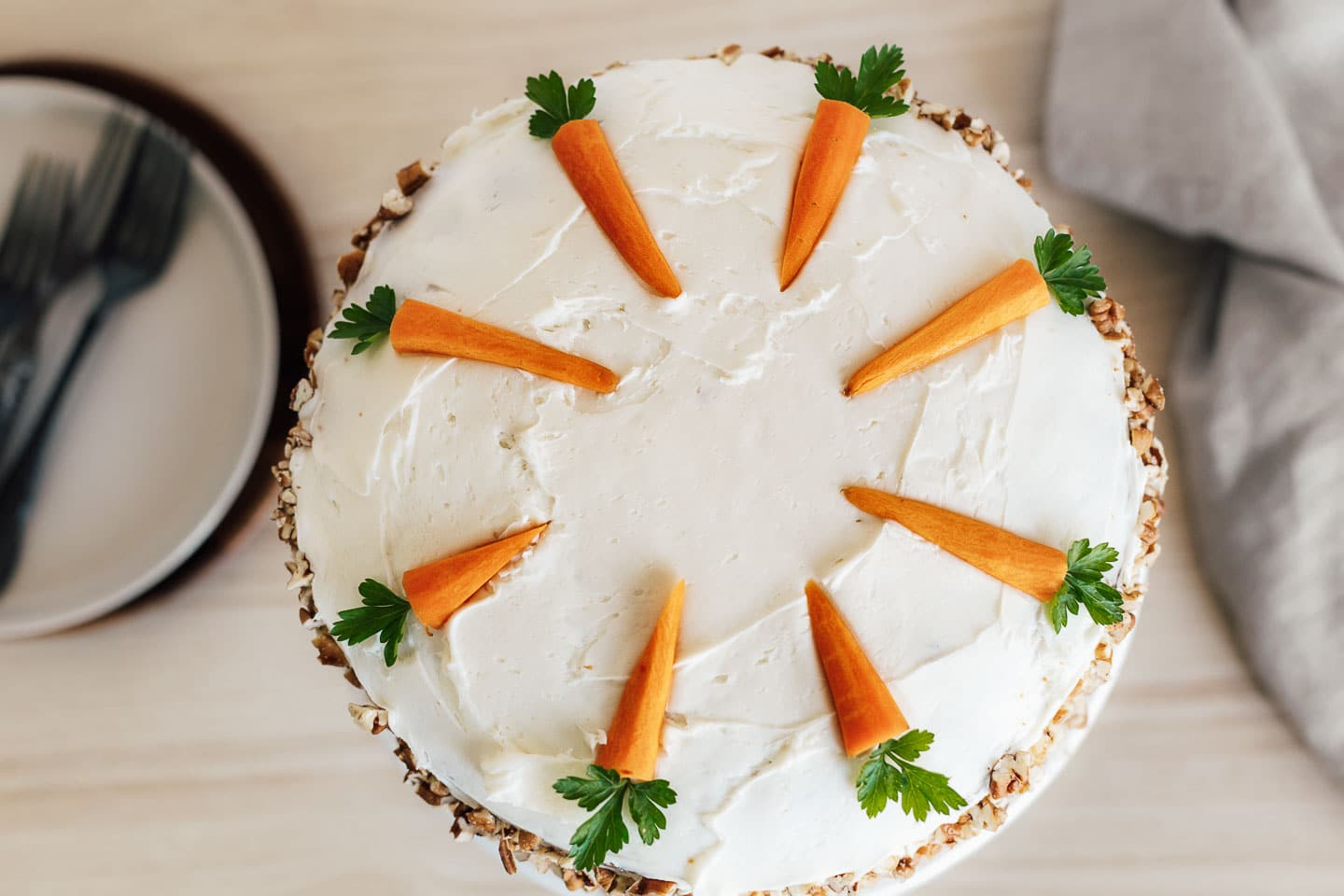 A top view of the decorated carrot cake.